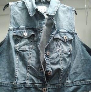 Torrid vest